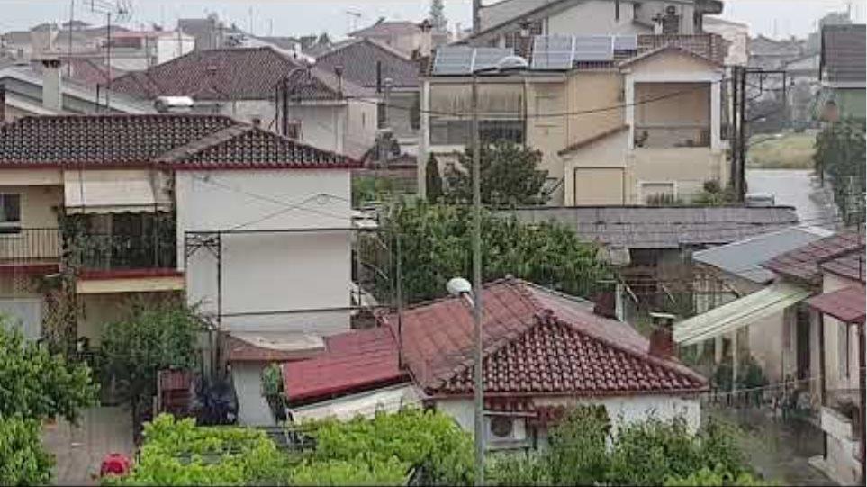 Σφοδρές καταιγίδες στα Τρίκαλα