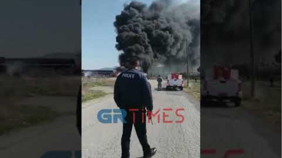 Μεγάλη πυρκαγιά στην περιοχή της Θέρμης