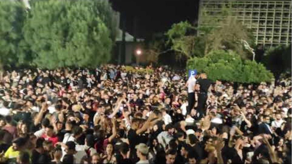 ThessToday.gr - Το απόλυτο πάρτι στο ΑΠΘ με χιλιάδες άτομα