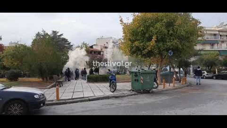 Thestival.gr Επεισόδια στην πλατεία Τερψιθέας στη Σταυρούπολη