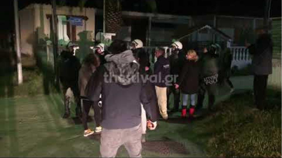 Thestival.gr Διαμαρτυρία κατοίκων των Βρασνών κατά της εγκατάστασης μεταναστών