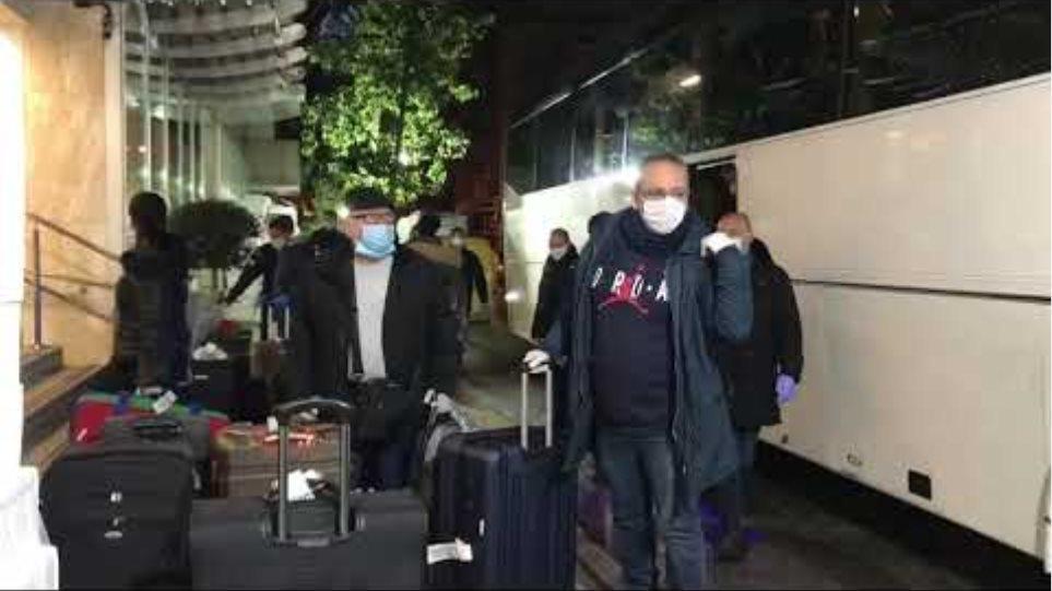 Επέστρεψαν οι Έλληνες επιβάτες από Κωνσταντινούπολη (4)