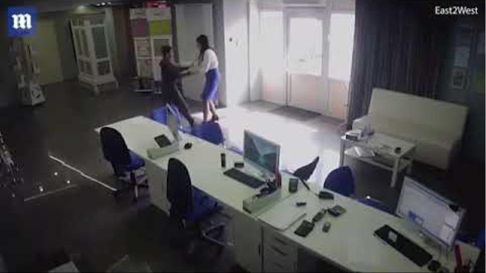 Horrifying moment knife-weilding 'rapist' attacks woman