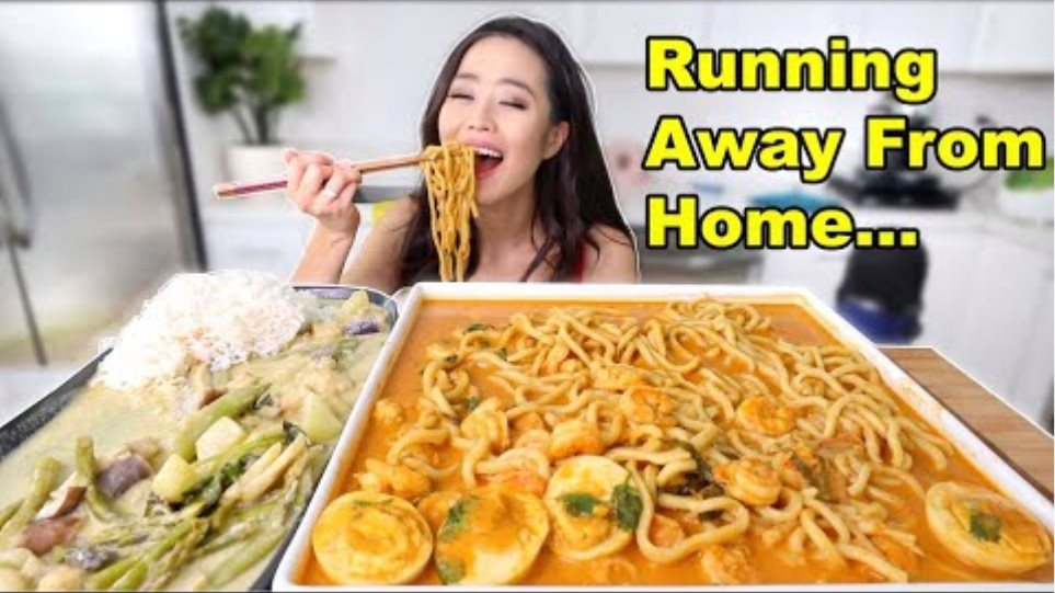 SINGAPORE CURRY SHRIMP SPICY NOODLES MUKBANG | Eating Show
