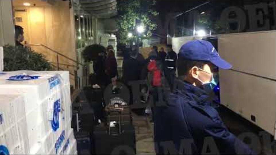 Κορωνοϊός: Επέστρεψαν οι Έλληνες επιβάτες από Κωνσταντινούπολη - Σε καραντίνα σε ξενοδοχείο (2)