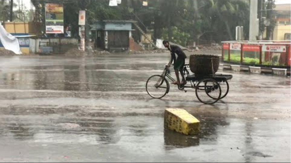 Cyclone Bulbul hits Bangladesh | AFP
