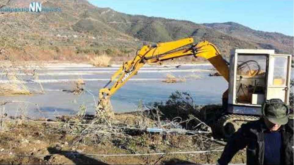Τρίκορφο Ναυπακτιας : Τα νερά του Ευήνου γκρέμισαν κολόνες της ΔΕΗ