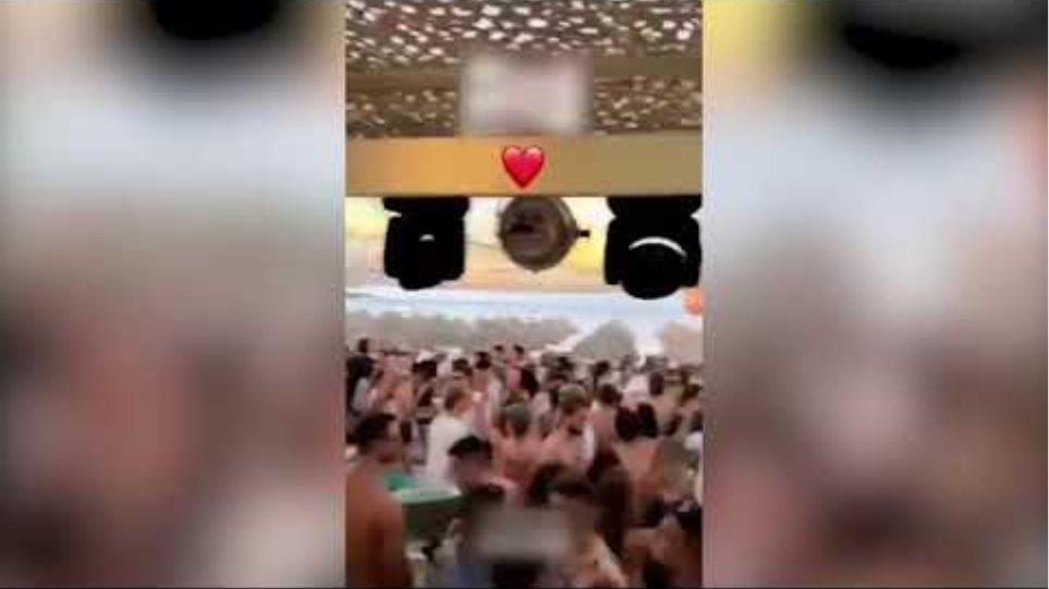 Εικόνες συνωστιμού σε μπαρ στην Πάρο