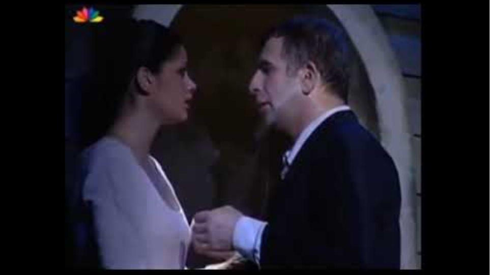 """Αυτά είναι τα """"ανάρμοστα"""" φιλιά του Πέτρου Φιλιππίδη προς την Άννα Μαρία Παπαχαραλάμπους 😥"""
