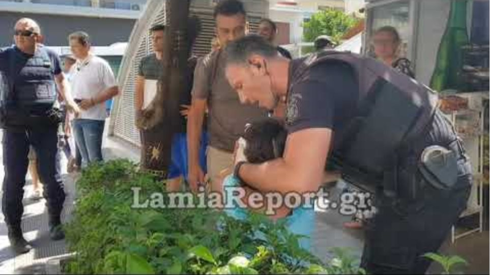 LamiaReport.gr: Την χαράκωσε εν ψυχρώ μέσα στην Πλατεία Πάρκου