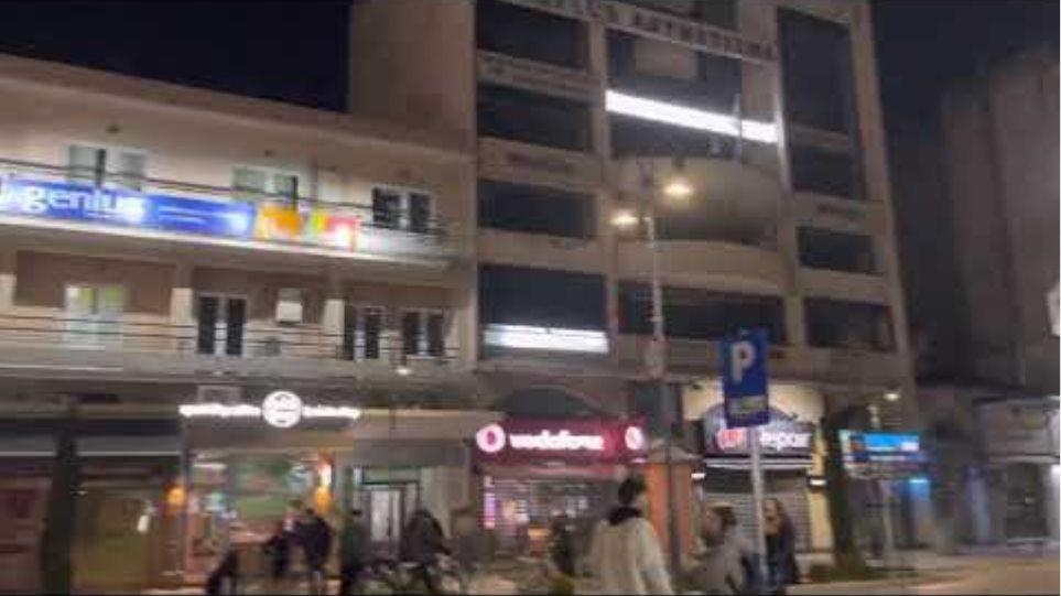 Εικόνες μετά από τον ισχυρό  σεισμό στη Λάρισα τώρα