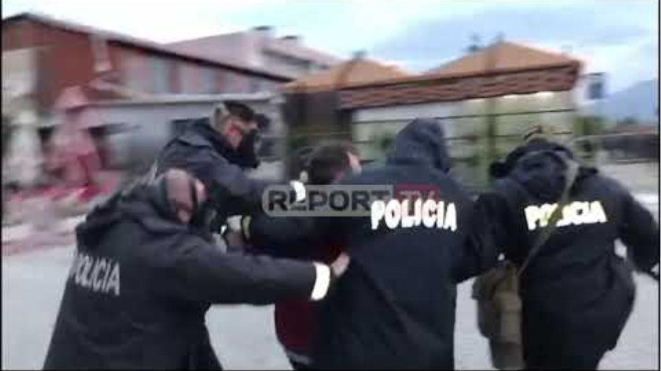 Unaza e re/ Nis me tensione prishja e 33 objekteve në 'Astir'! Banorët hedhin bomba molotovë