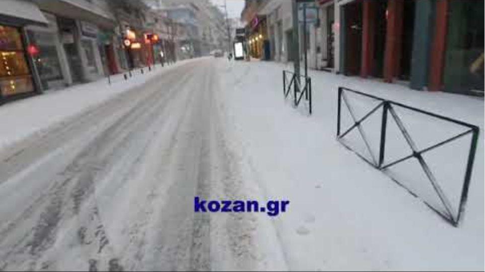 kozan.gr: 'Ωρα 07:40 π.μ.: Στους -9 και με πολύ χιόνι ξύπνησε η πόλη της Κοζάνης