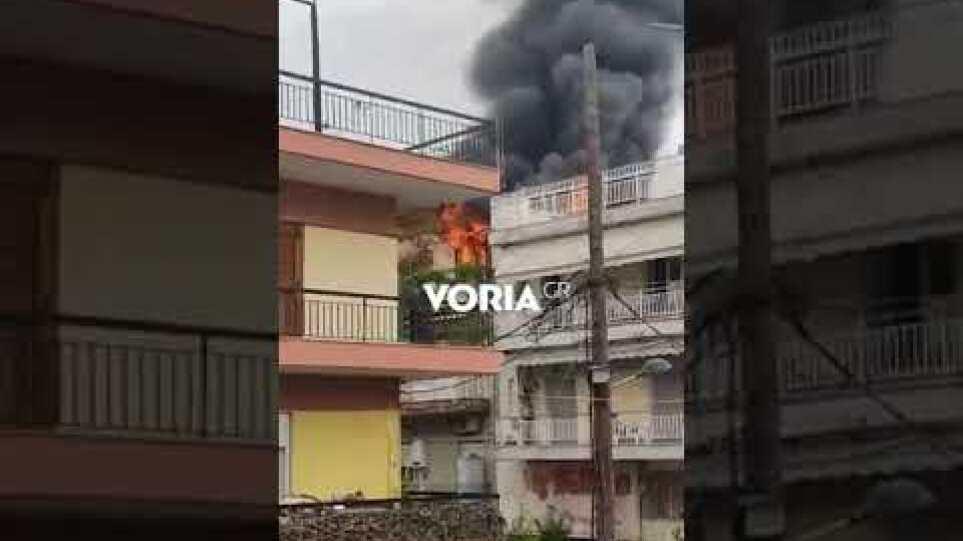 Θεσσαλονίκη: Μεγάλη φωτιά σε διαμέρισμα στη Σταυρούπολη - Voria.gr