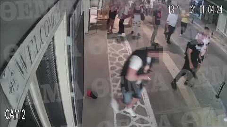 Βίντεο ντοκουμέντο- Χαλκιδική : 25χρονος πυροβολεί εν ψυχρώ δυο 20χρονους έξω από μπαρ