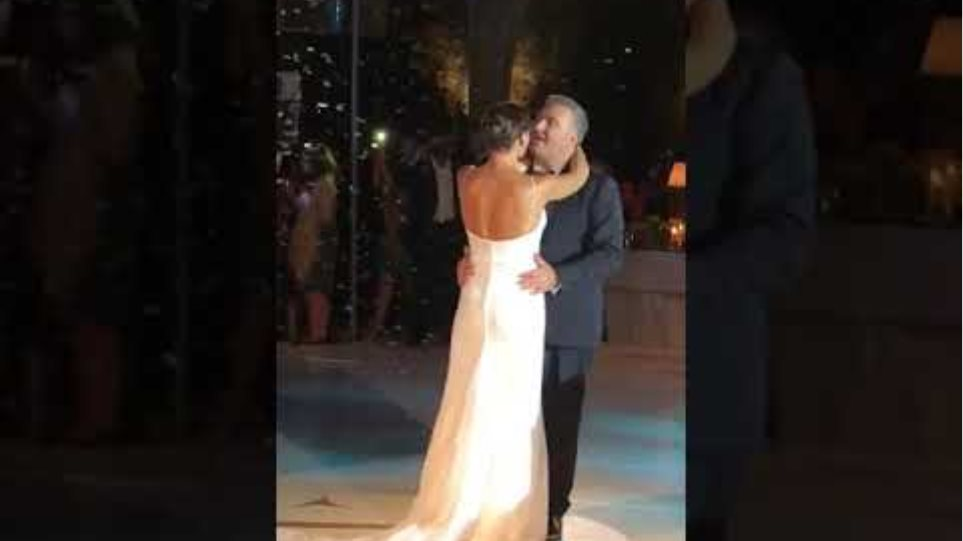 Στιγμιότυπα από το γάμο του Αντώνη Ρέμου με την Υβόννη Μπόσνιακ (3)