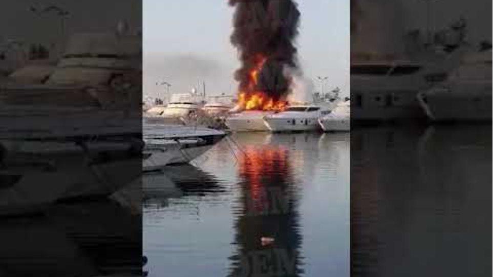 Γλυφάδα φωτιά σε σκάφος