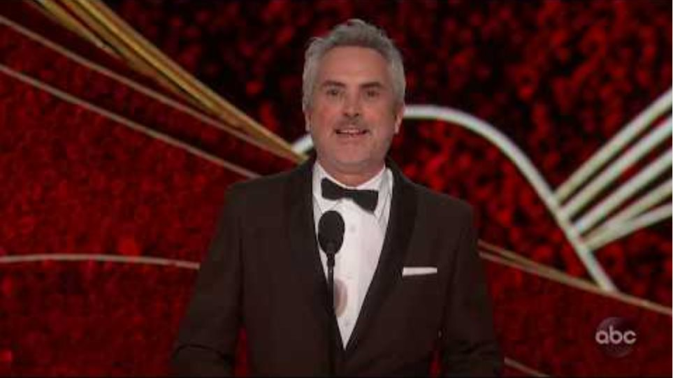 Alfonso Cuaron Accepts the Oscar for Directing