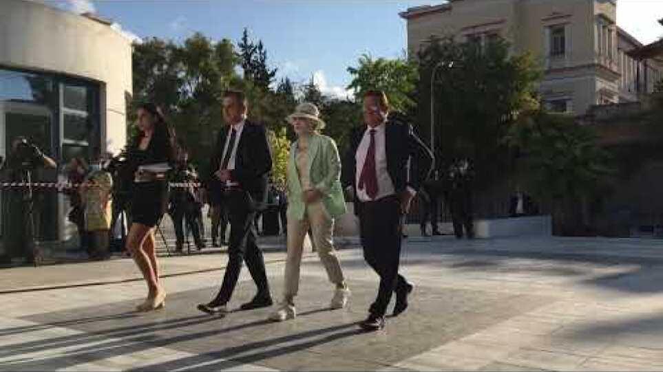 Επίθεση Βιτριόλι: Έφτασε στο Πρωτοδικείο Αθηνών η Ιωάννα Παλιοσπύρου