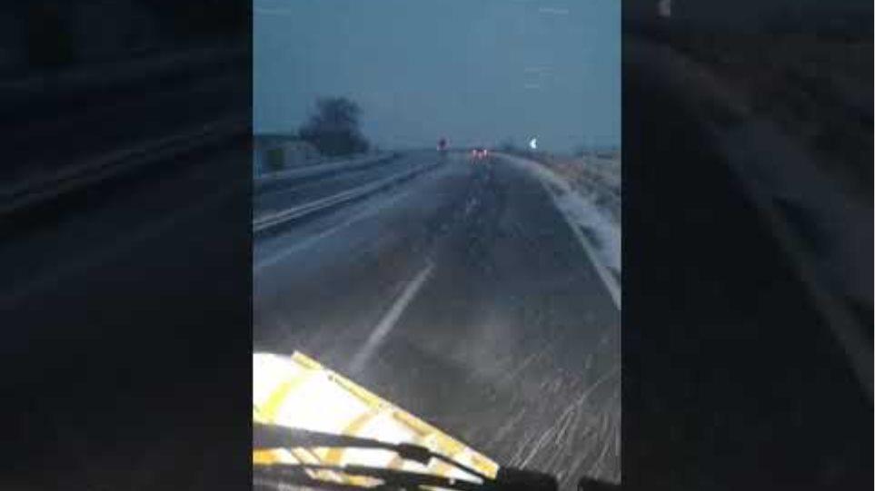Μάχη με τον χιονιά δίνει η Περιφέρεια Θεσσαλίας