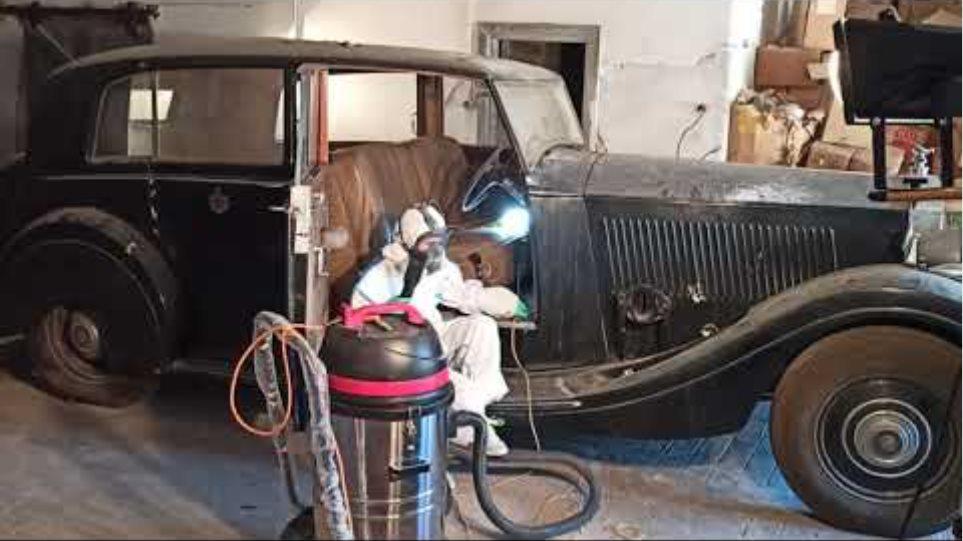 Η συντήρηση των αυτοκινήτων της πρώην βασιλικής οικογένειας στο κτήμα Τατοΐου