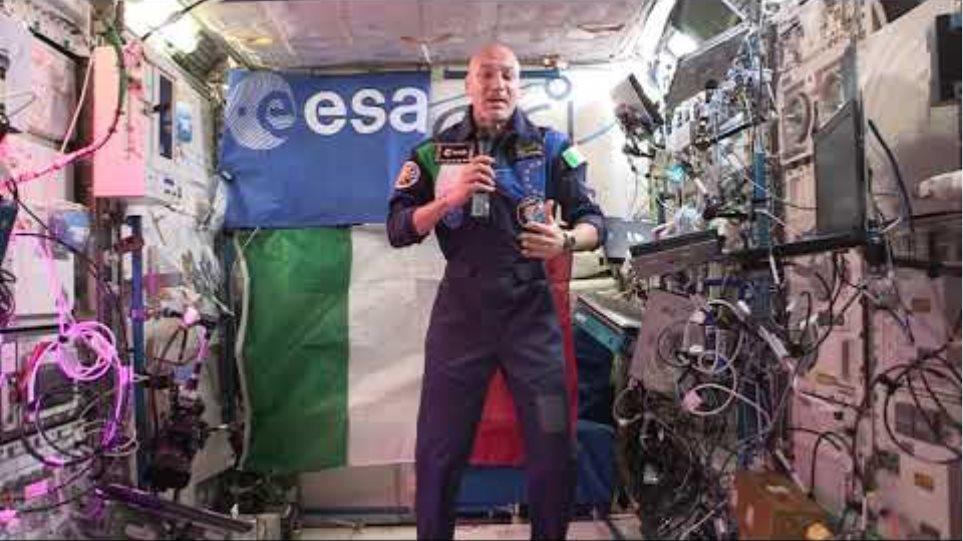 Luca Parmitano dalla ISS spiega l'attaccamento degli aeronauti alla Madonna di Loreto
