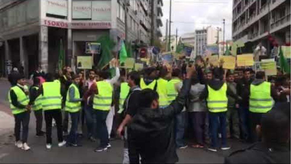 Μουσουλμάνοι γιόρτασαν τα γενέθλια του Μωάμεθ στο κέντρο της Αθήνας
