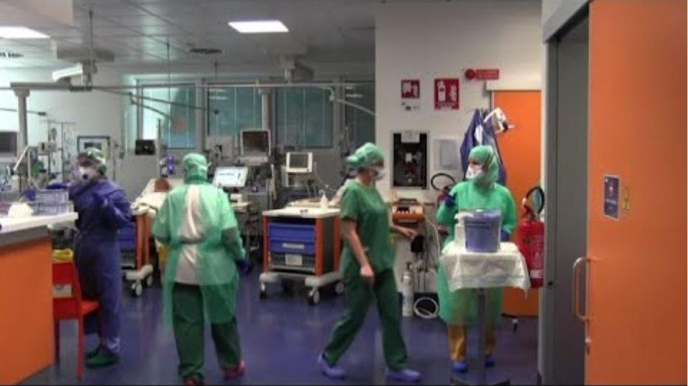 """Coronavirus, Brescia allo stremo: """"Valutiamo chance dei pazienti"""""""