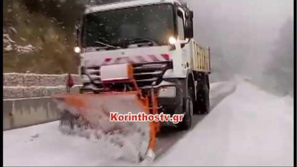 Ισχυρή χιονόπτωση στην Καστανιά