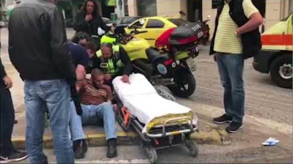 Επεισόδια και τραυματισμοί όταν οι φοιτητές επιχείρησαν να κατεβάσουν το άγαλμα του Τρούμαν