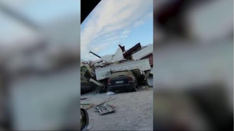Terremoto in Albania, le drammatiche immagini da Durazzo: l'hotel Vila Palma completamente distrutto