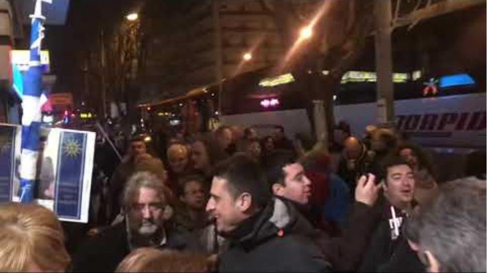 Αναχωρούν λεωφορεία για Αθήνα