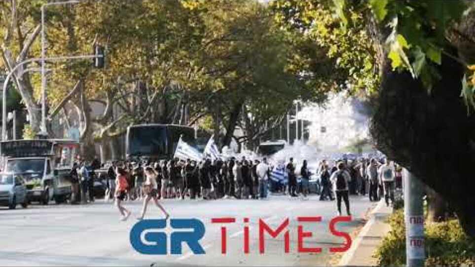 Διαδηλωτές στην παραλιακή