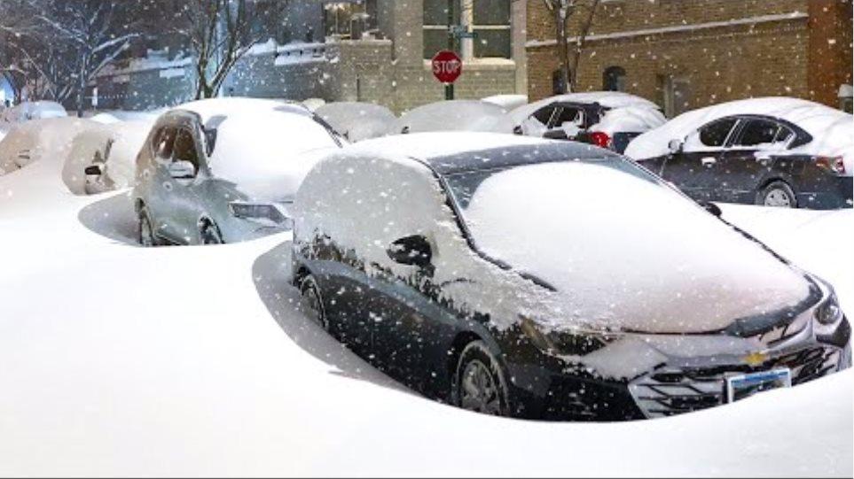 Heavy Snow Storm Impacts Chicago, USA (Feb 16, 2021) Blizzard in Illinois
