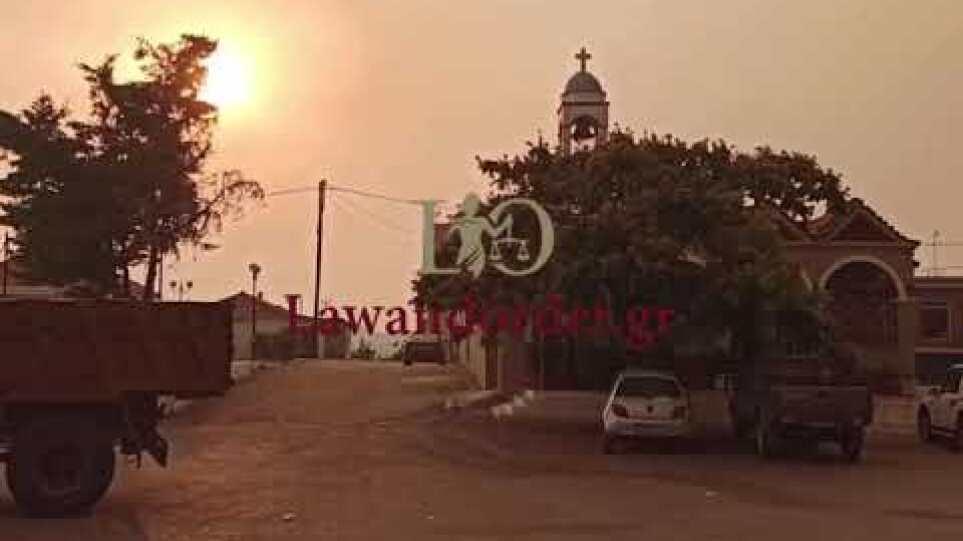 Η ανατριχιαστική στιγμή που χτυπούν οι καμπάνες στις Κεχριές
