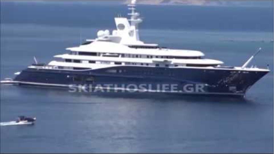 Ο σεΐχης του Κατάρ με το πλωτό παλάτι του στη Σκιάθο [βίντεο]