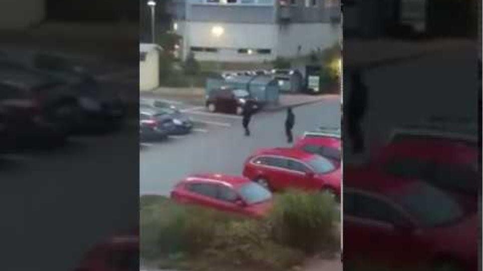 Swedish youths burn cars in Gothenburg, Sweden (Aug 13,  2018) #2