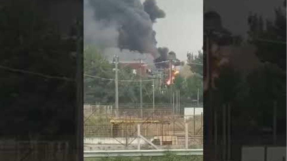 Σχηματάρι: Φωτιά σε εργοστάσιο