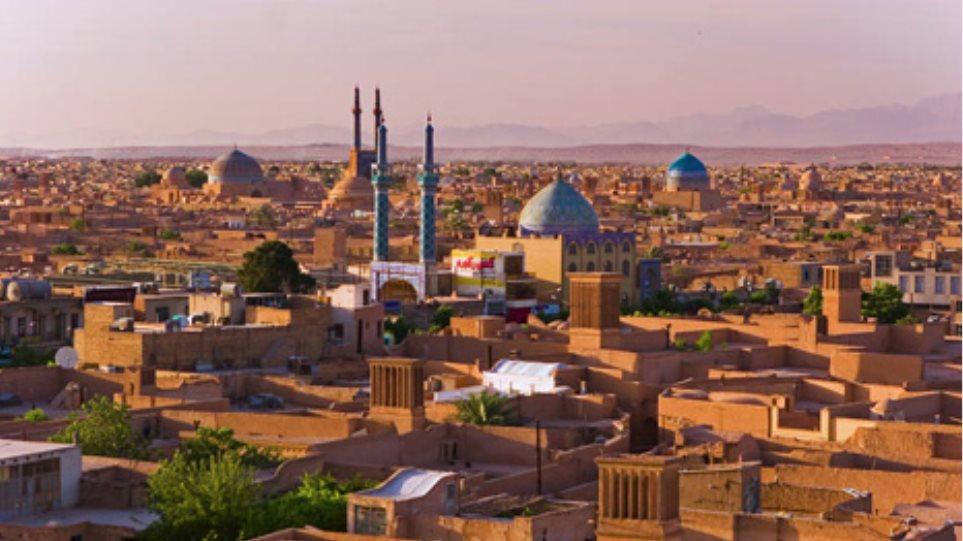"""Ιράν: Κλείνουν όλα τα πανεπιστημιακά τμήματα διδασκαλίας μαθημάτων που κρίνονται από τις αρχές πολύ """"δυτικά""""."""