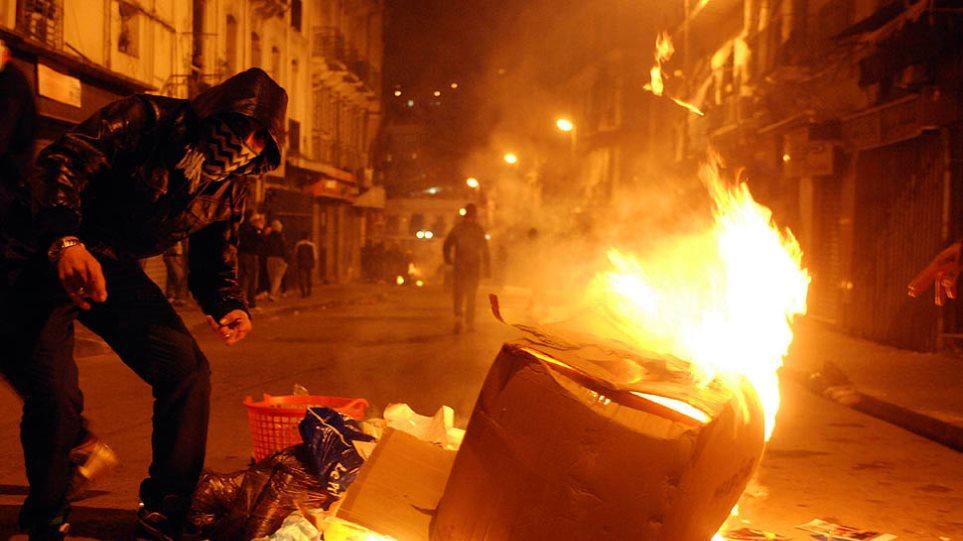 Τρεις πολίτες αυτοπυρπολήθηκαν στην Αλγερία