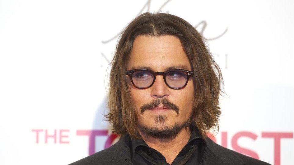 O Jacques δάγκωσε τον Johnny Depp
