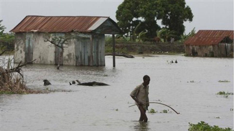 Φονικές πλημμύρες και στη Νότια Αφρική
