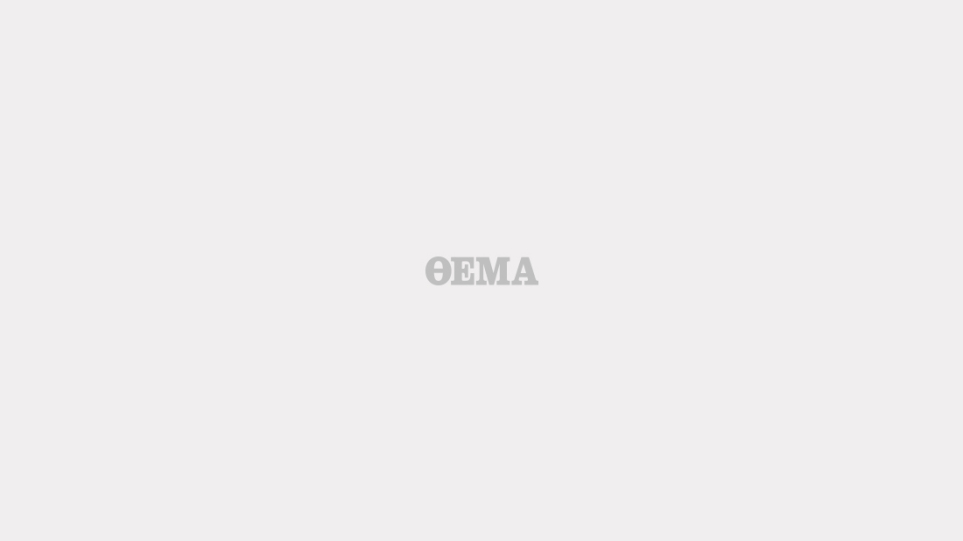 Ο Boy George επέστρεψε κλεμμένη εικόνα στην Κύπρο