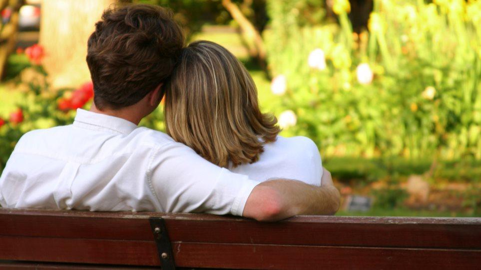 Τι να πω σε μια κοπέλα που βγαίνεις καλύτεροι άνδρες dating πρωτοσέλιδα