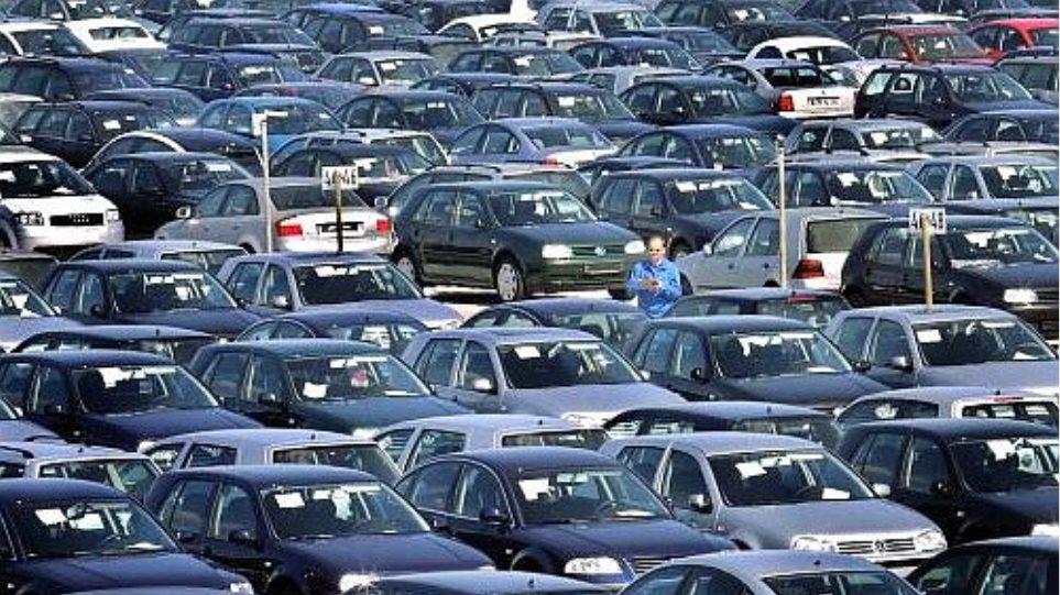 Στο 64,3% η πτώση των πωλήσεων νέων αυτοκινήτων