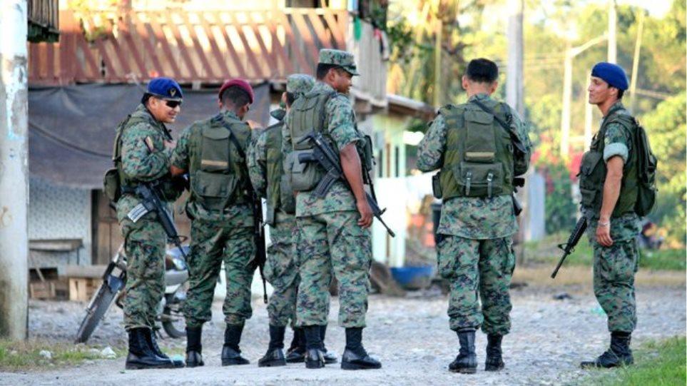Άνοιξαν τα σύνορα του Ισημερινού με Περού και Κολομβία