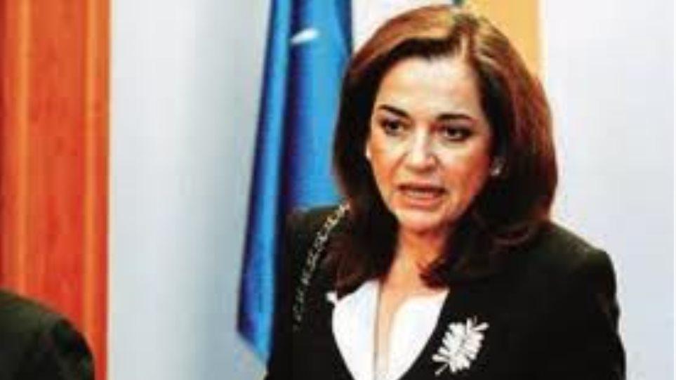 Ντ. Μπακογιάννη: Η κυβέρνηση κορόιδευε τους μεταφορείς