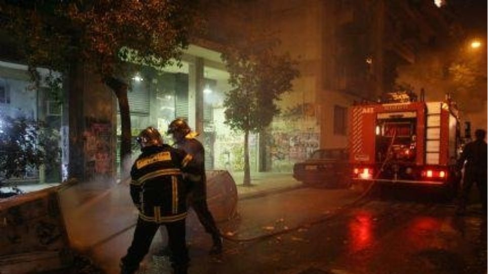 Υπό μερικό έλεγχο οι φωτιές σε Κερατέα και Θυμάρι