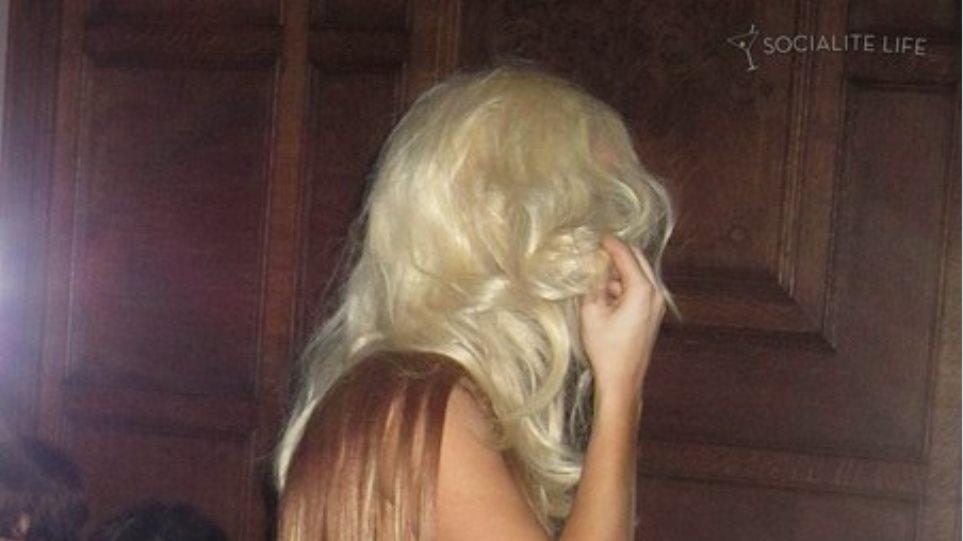 Με ρούχο από μαλλιά η Lady Gaga