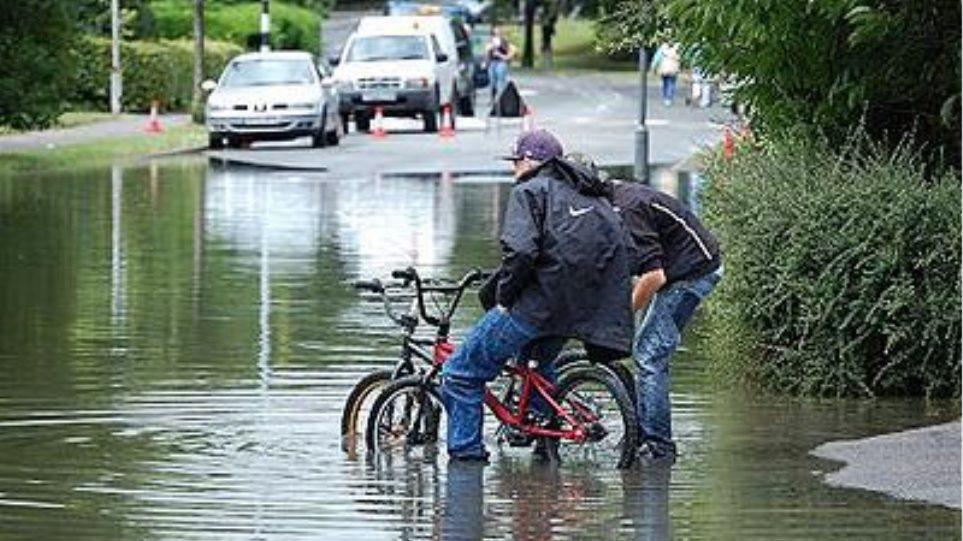 Εκτεταμένες ζημιές από τις πλημμύρες στην Ουγγαρία